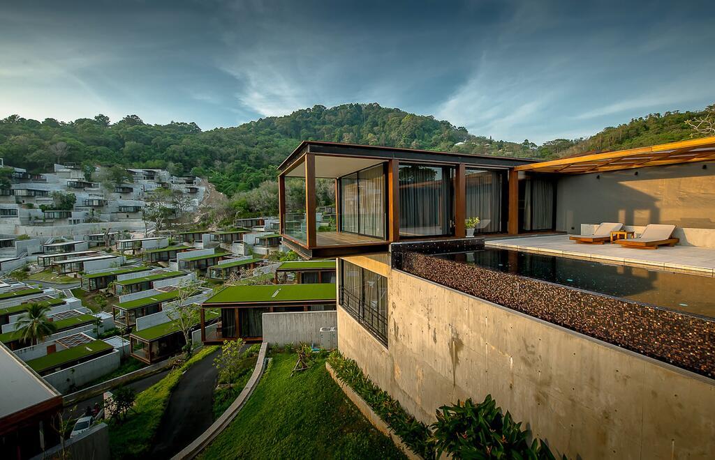 (The Naka Phuket)